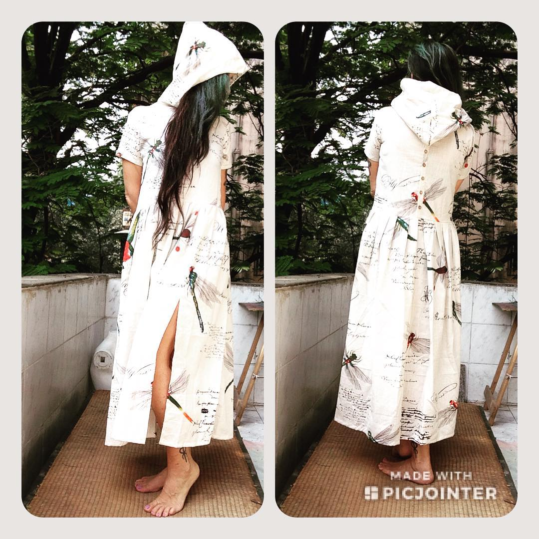 DL19-33 LONG DRESS WITH HOOD