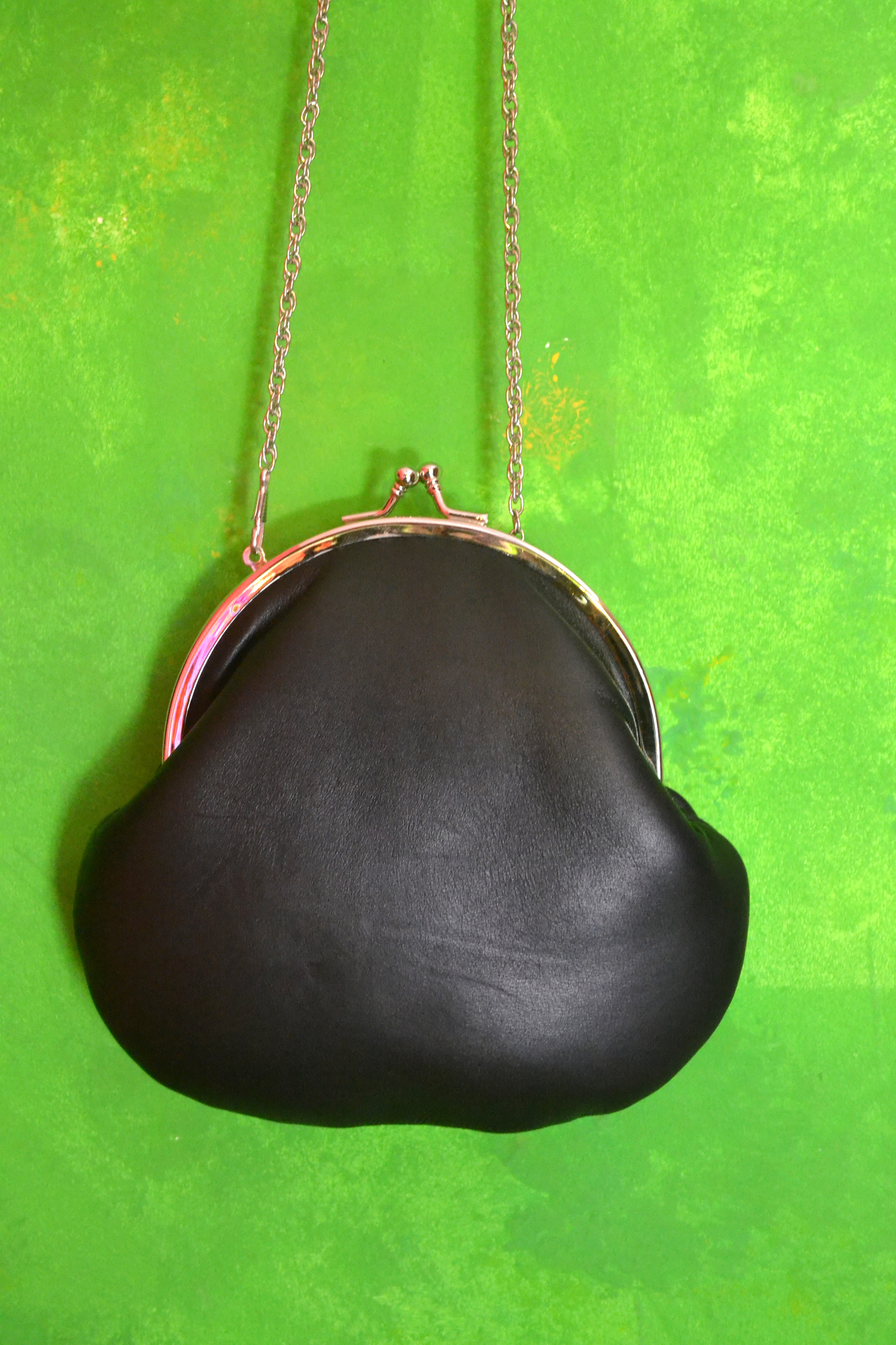 Back clutch in leather
